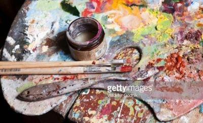 palette-artiste-peintre-atelier