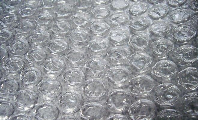 comment emballer une  u0153uvre d u0026 39 art avec du papier bulle