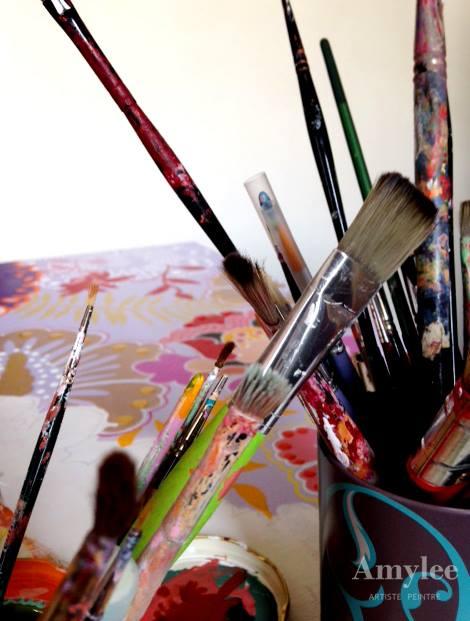 atelier artiste pinceaux couleurs art