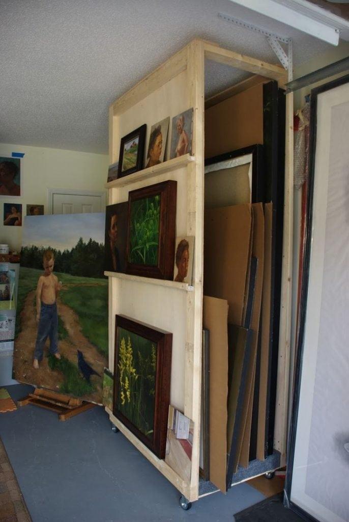 armoire rangement tableaux peinture artiste