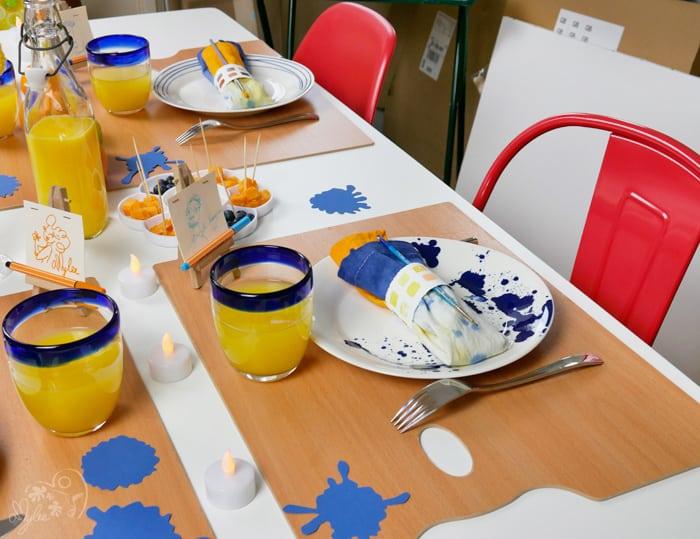 décoration table artiste