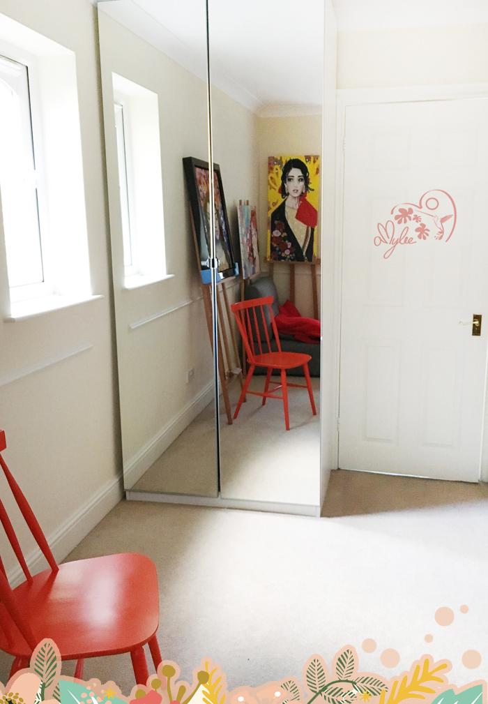 armoire pratique rangement tableaux